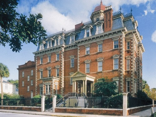 Charleston's Wentworth Mansion hotel (the Garden Rooms are pet-friendly)