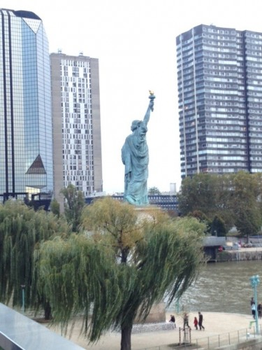 Paris's biggest Statue of Liberty replica (there are two others in town, plus a full-size replica of the torch), from the Pont de Grenelle.